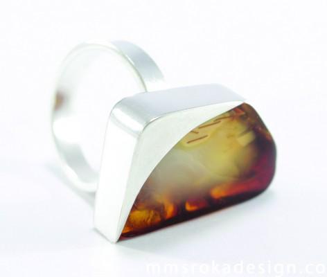 pierścionek srebrny z bursztynem MMP20d