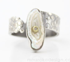 Obrączka srebrna z nieregularną perłą MMP91 – Unikat [sprzedana]