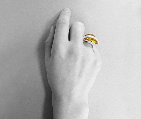 pierścionek srebrny z bursztynem MMP33