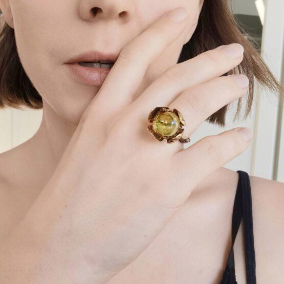 pierścionek z bursztynem rękodzieło artystyczne